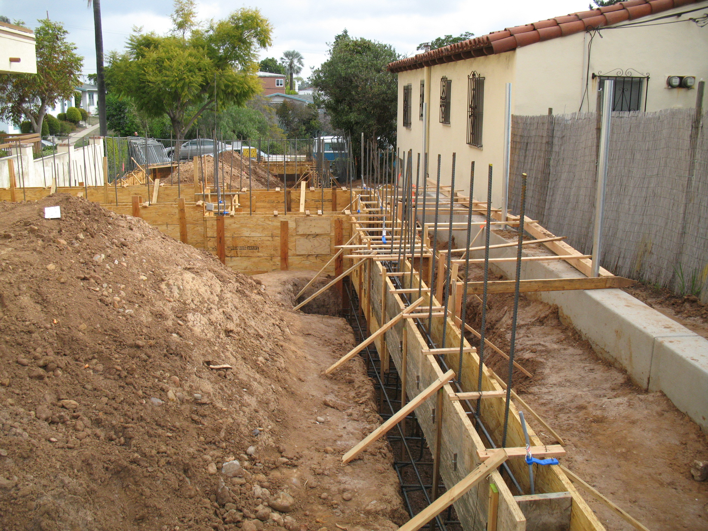 House foundation forms and structural reinforcement pictures House foundations types